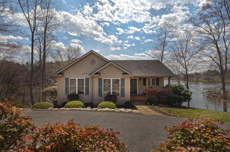 1318 Kaseys Lakeview DR, Moneta, VA 24121