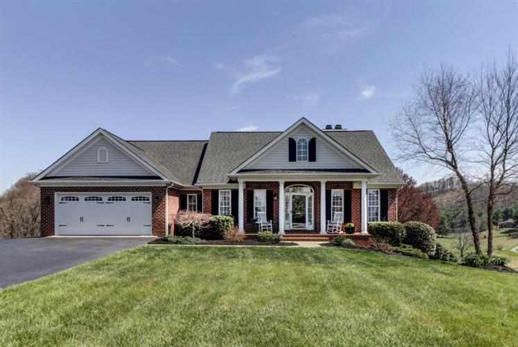 474 Summit Ridge RD, Daleville, VA 24083