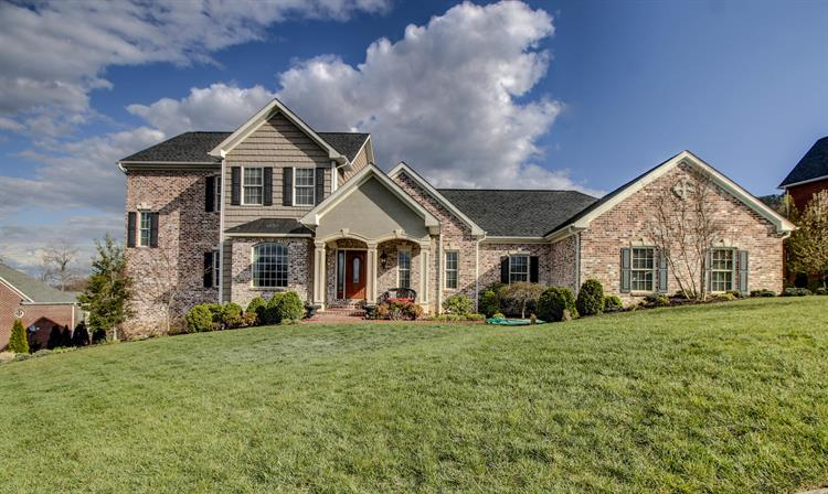 5724 Longridge DR, Roanoke, VA 24018 - Image 1
