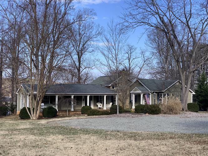 607 Lakestone RD, Union Hall, VA 24176 - Image 1