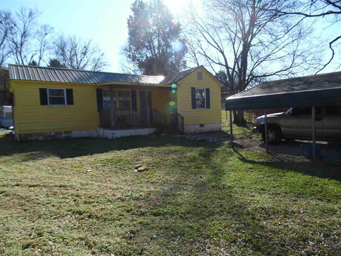 204 E PILLOW, Clifton, TN 38425