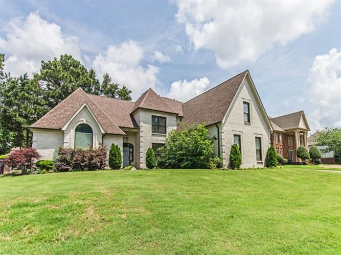 8864 THREE CHIMNEYS, Germantown, TN 38138