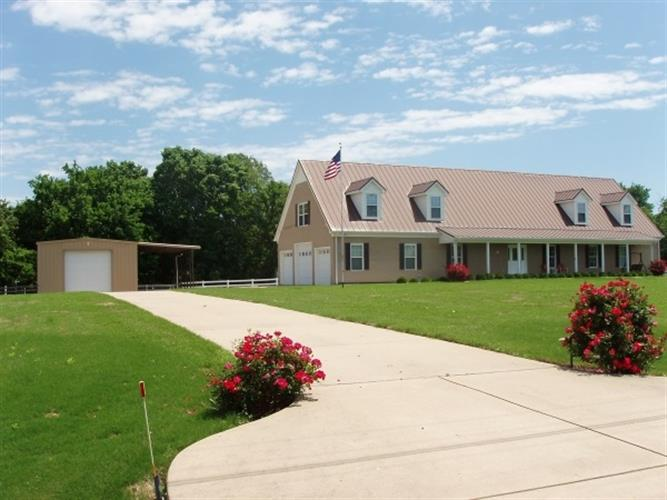 410 CROOKED CREEK, Oakland, TN 38060 - Image 1