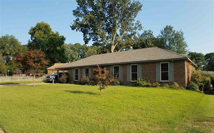 2053 LYDGATE , Memphis TN 38116 For Sale, MLS # 10035054, Weichert com