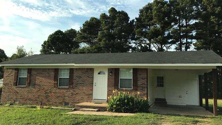 160 CLEMENT, Savannah, TN 38372 - Image 1