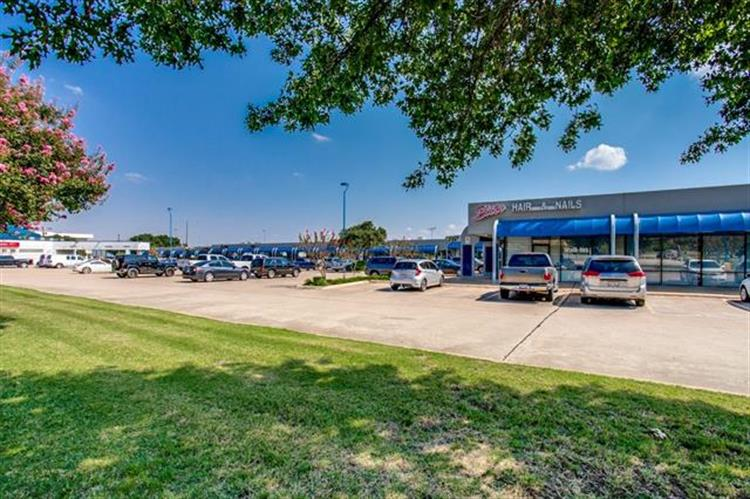3220 Gus Thomasson Road, Mesquite, TX 75150