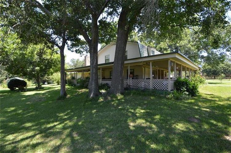 221 Vz County Road 3825, Wills Point, TX 75169