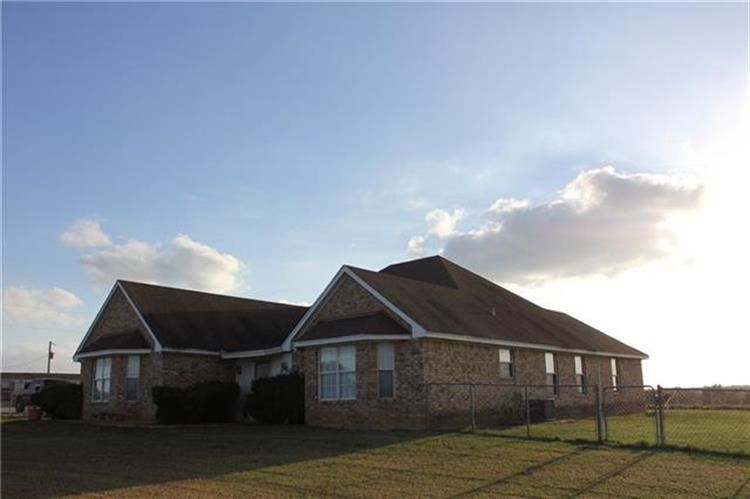 2175 County Road 211, Gainesville, TX 76240