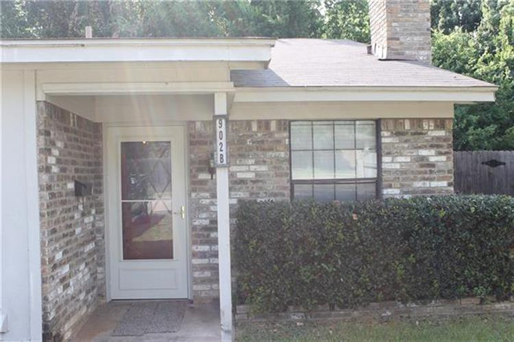 902 Meadowbrook Drive, Grapevine, TX 76051