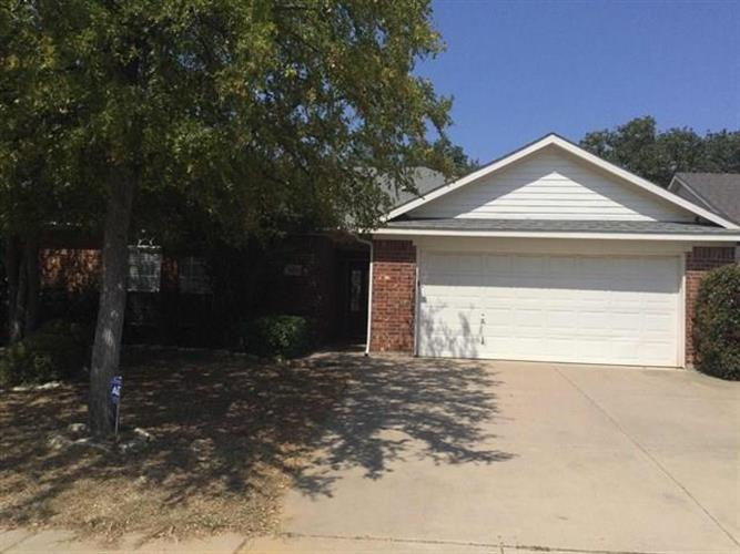 2409 Westheimer Road, Denton, TX 76210