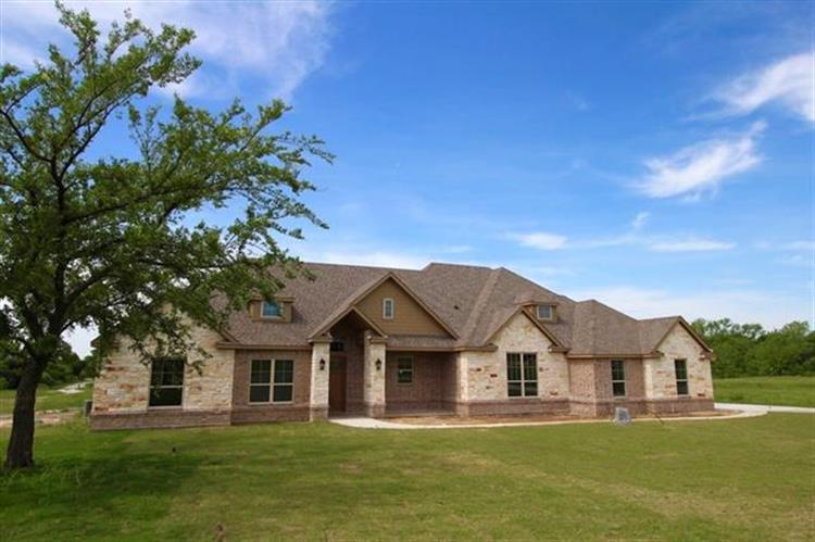101 Signature Court, Weatherford, TX 76087