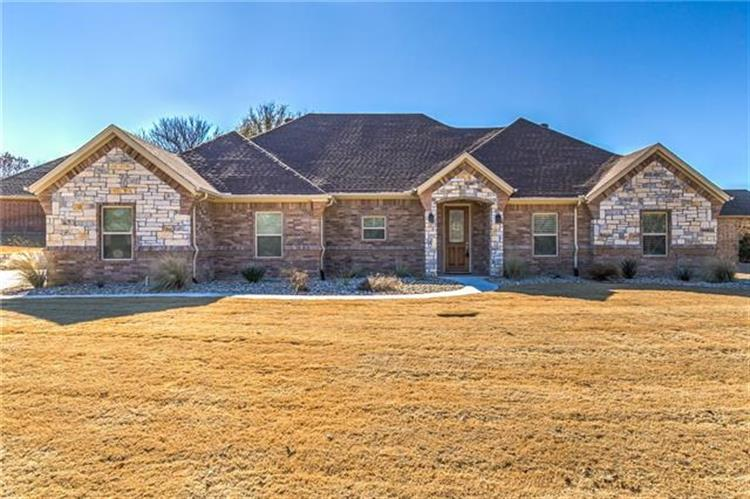 8520 Kingsley Circle, Granbury, TX 76049