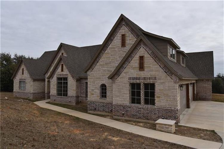 105 S Spanish Plum Court, Aledo, TX 76008