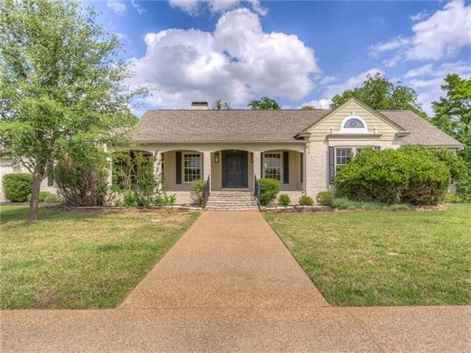 1901 Rose Point, Athens, TX 75752