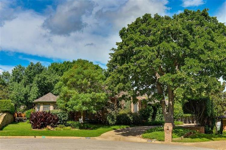 4000 Woodstock Drive, Colleyville, TX 76034