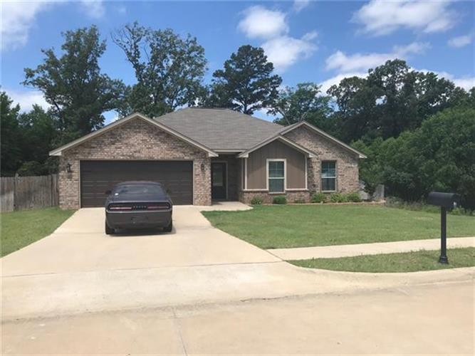 201 Mission Crest Circle, Lindale, TX 75771