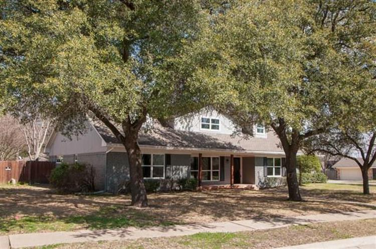 1200 Williamsburg Drive, Ennis, TX 75119