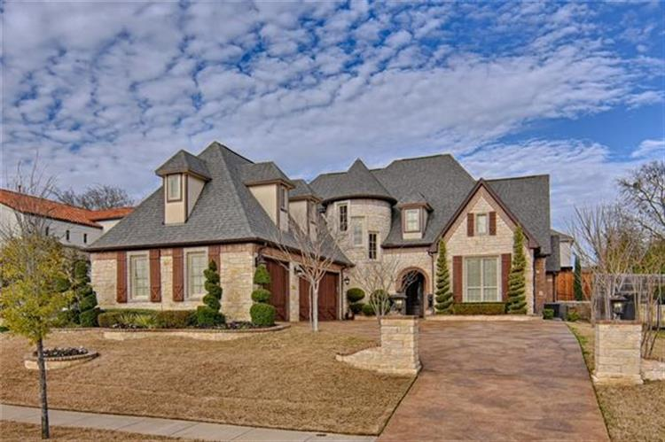 2002 Royal Crest Drive, Mansfield, TX 76063