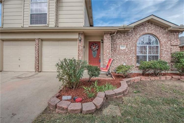 10216 Scurry Court, Fort Worth, TX 76108
