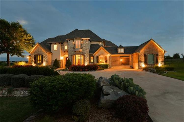 130 Top Flight Drive, Weatherford, TX 76087
