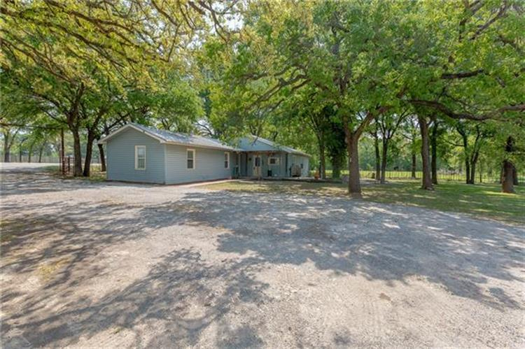 4002 W Highway 114, Paradise, TX 76073