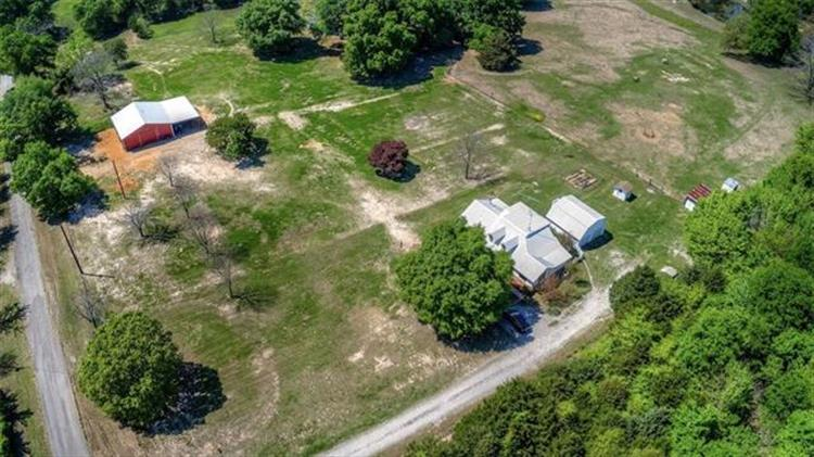 1427 County Road 3101, Greenville, TX 75402