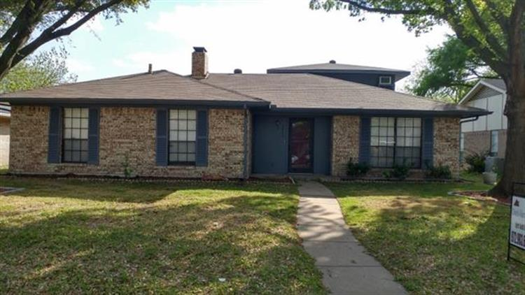 2810 Green Oaks Drive, Garland, TX 75040