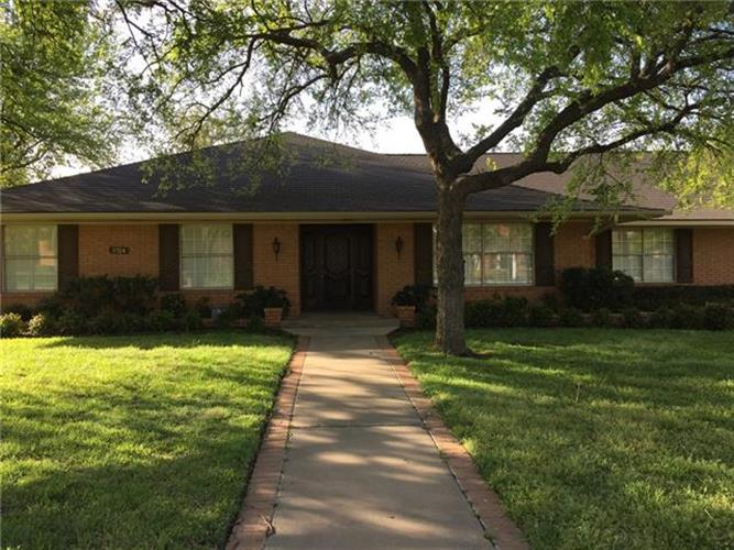 1024 Normandy Drive, Graham, TX 76450