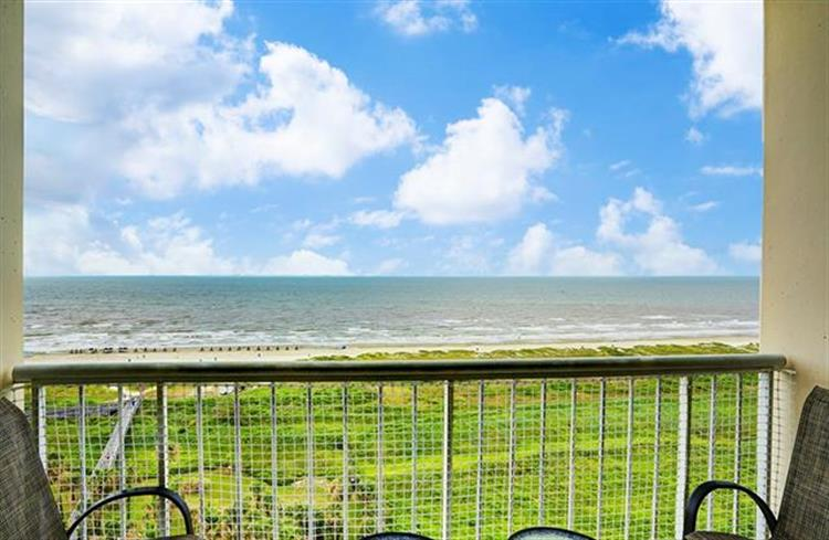 1401 E Beach Drive, Galveston, TX 77550