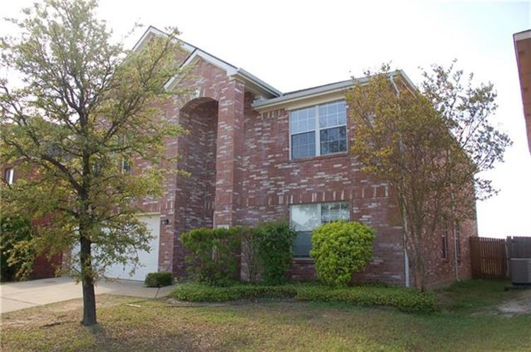 4144 Fossile Butte Drive, Fort Worth, TX 76244
