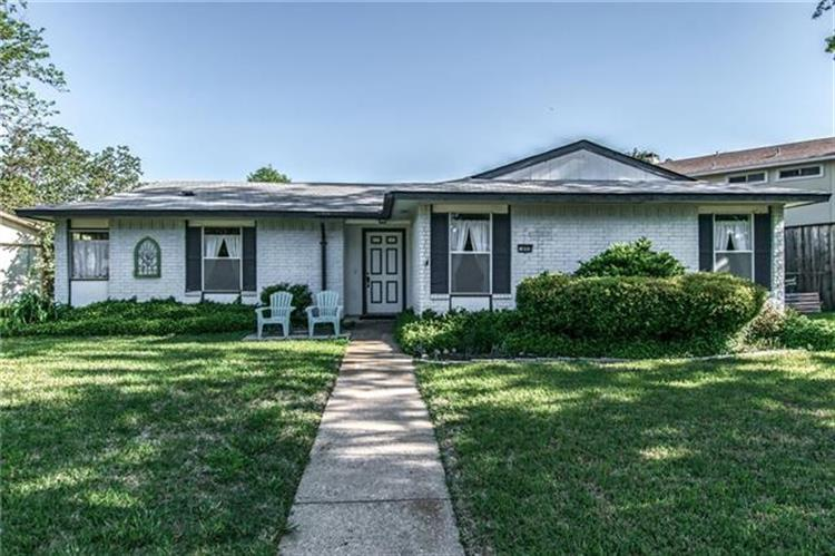 609 Middle Glen Drive, Garland, TX 75043