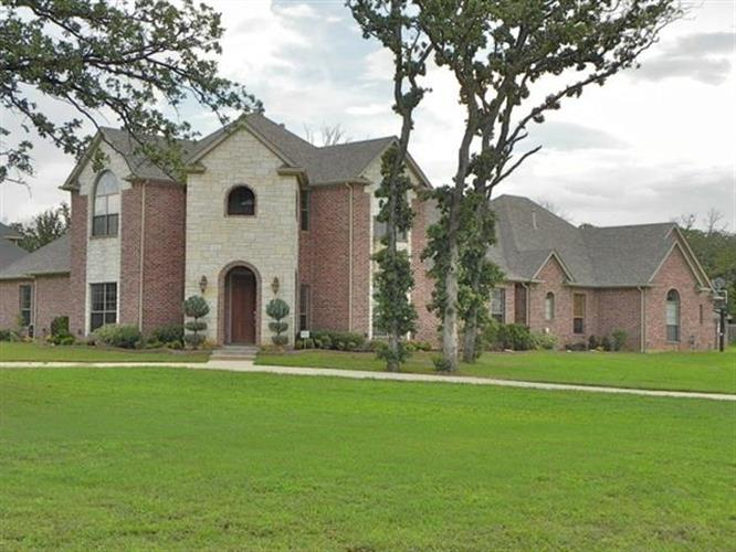 6238 Toscana Circle, Fort Worth, TX 76140