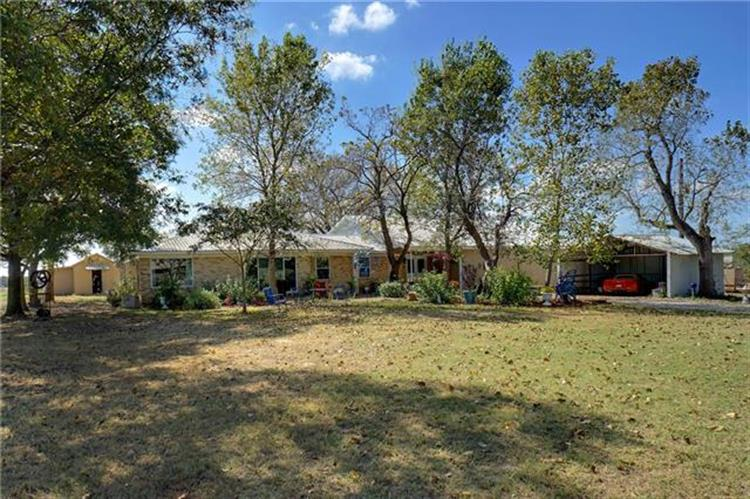 397 County Road 4387, Decatur, TX 76234