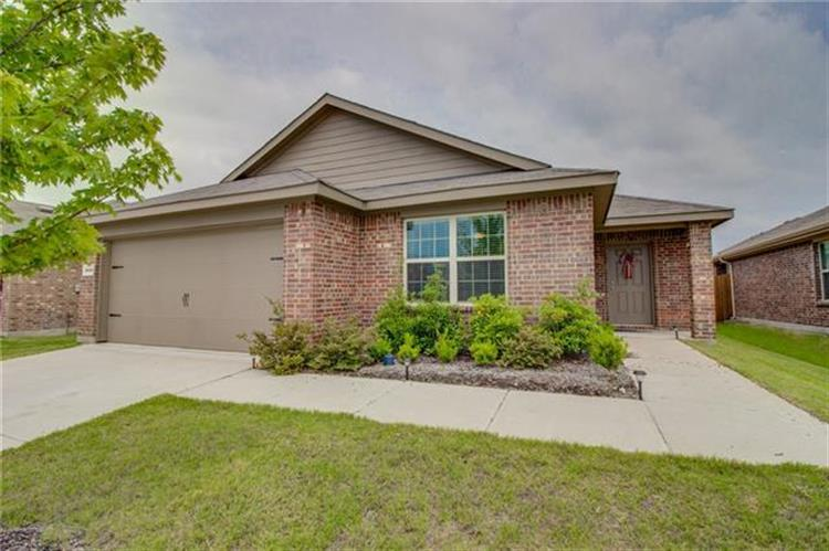 2049 Enchanted Rock Drive, Forney, TX 75126