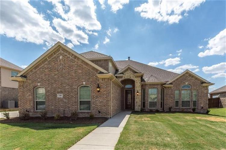 315 Silver Oak Trail, Kennedale, TX 76060