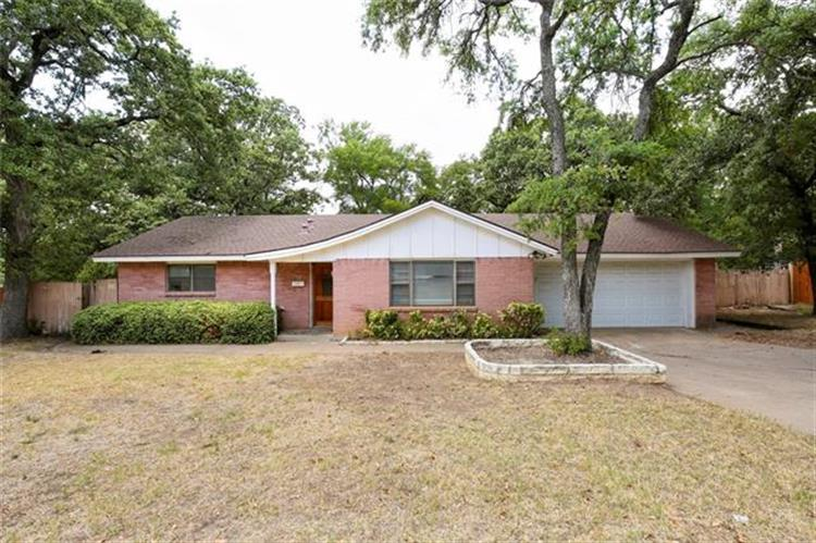 506 Sunset Drive, Euless, TX 76040