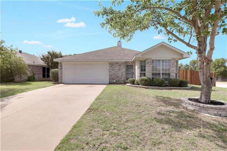 8700 Lake Springs Trail, Hurst, TX 76053