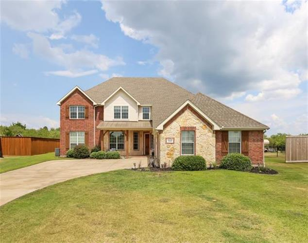 1088 Oak Creek Circle, Royse City, TX 75189