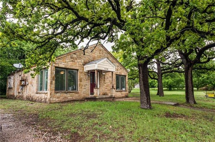 109 E 3rd Street, Weatherford, TX 76086
