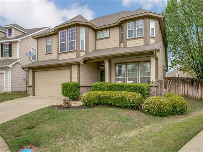 100 Myrtle Creek, Grapevine, TX 76051