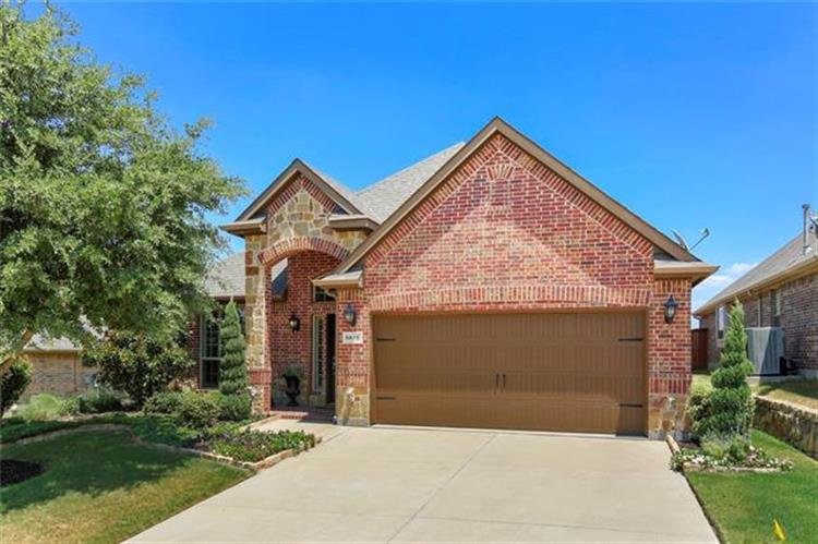 5816 Tuleys Creek Drive, Fort Worth, TX 76137