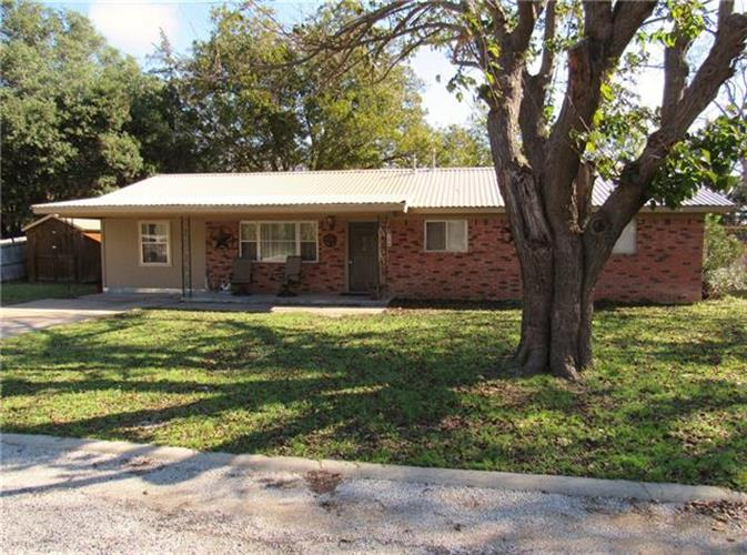 312 Woodlawn Drive, Comanche, TX 76442 - Image 1
