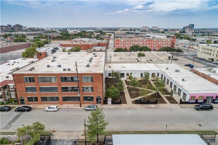 120 St. Louis Avenue, Fort Worth, TX 76104 - Image 1
