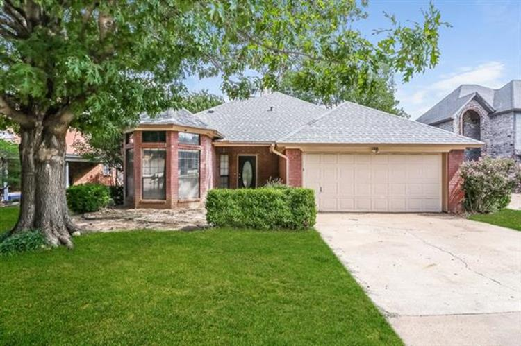 6412 Woodcreek Trail, Fort Worth, TX 76179