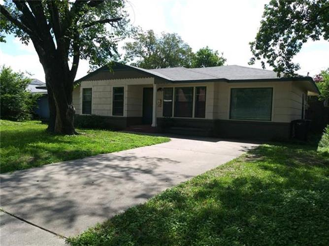 6509 Greenway Road, Fort Worth, TX 76116