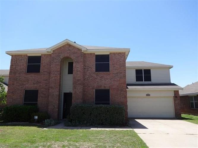 313 Sun Meadow Lane, Fort Worth, TX 76140
