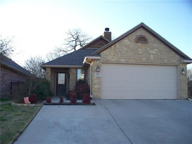 800 Claycourt Circle, Fort Worth, TX 76120 - Image 1