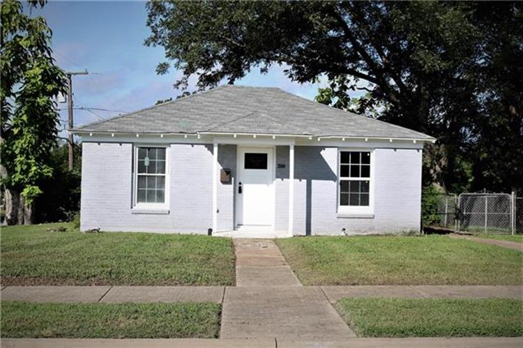 3244 Stanley Avenue, Fort Worth, TX 76110