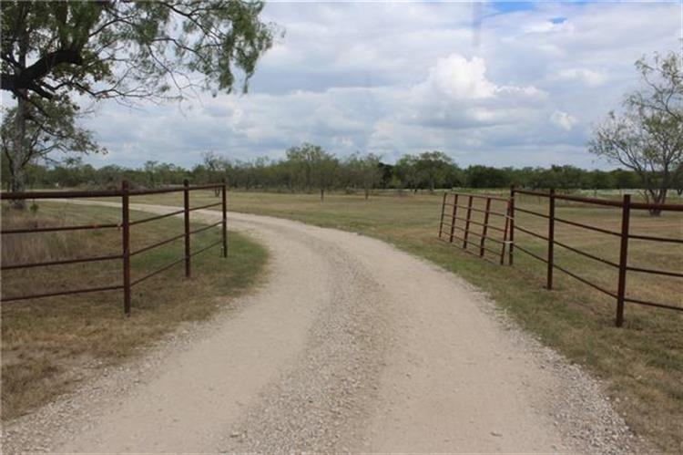 14261 County Road 4015, Mabank, TX 75147
