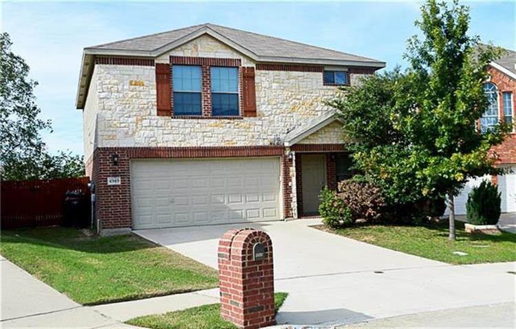 4949 Galley Circle, Fort Worth, TX 76135